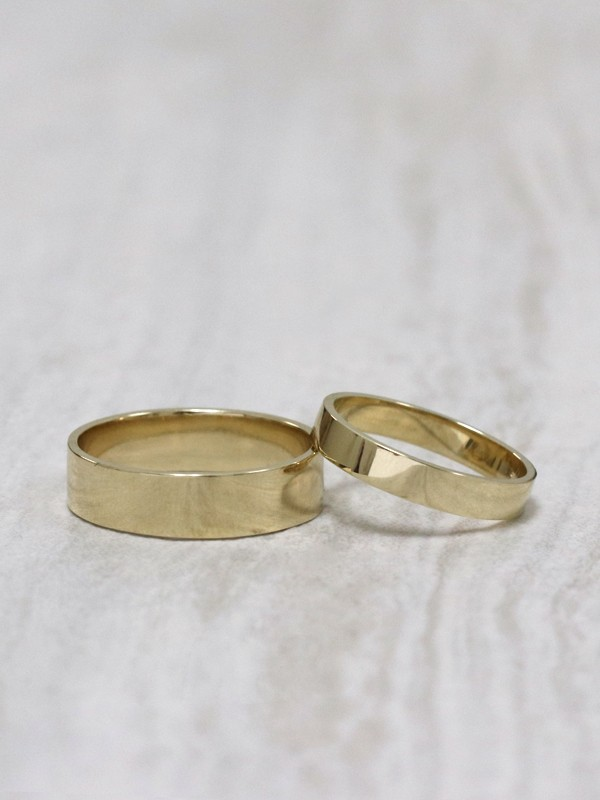 SET: 5MM + 3MM Modern Straight Edge Solid 14K Gold Bands
