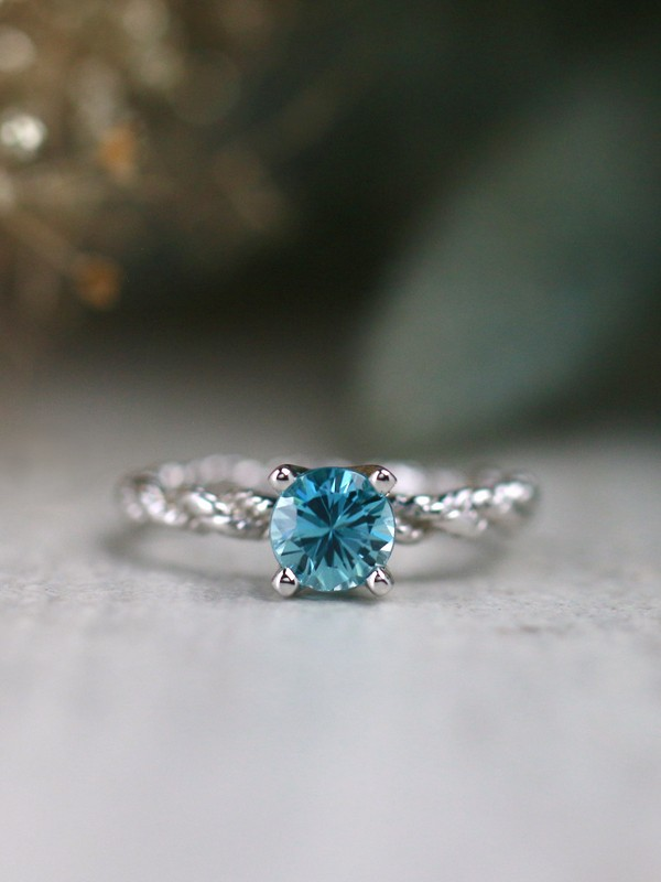 Carribean Blue Zircon Bohemian Line Solitaire Solid 14 Karat Gold Ring