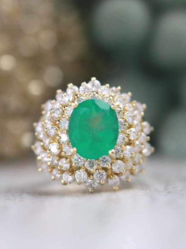 10.5x8.5MM Oval Emerald Diamond Cluster Solid 14 Karat Gold Cocktail Ring