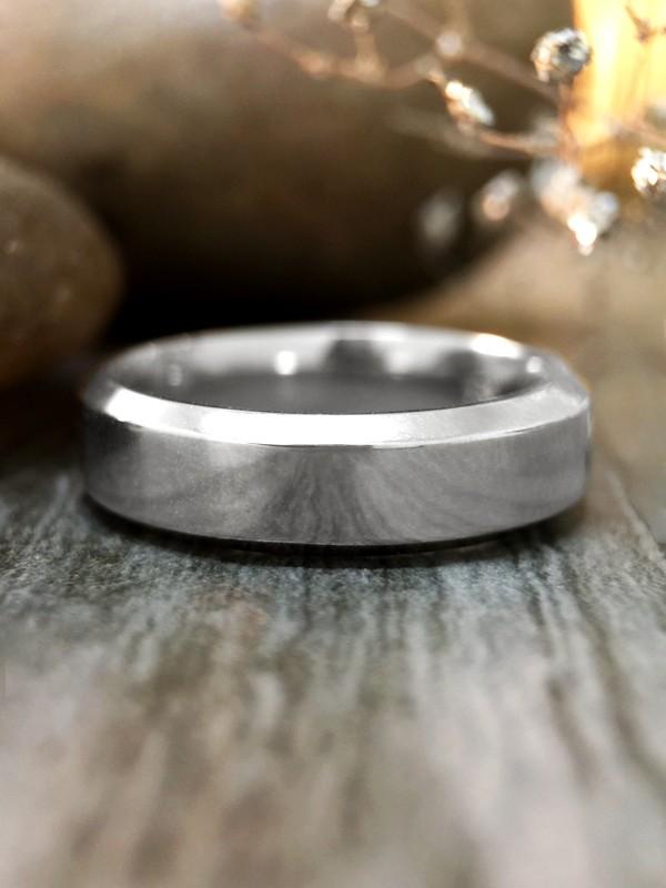 5.5MM Bevelled Polished Wedding Band Solid 14K White Gold (14KW) Modern Men's Engagement Ring
