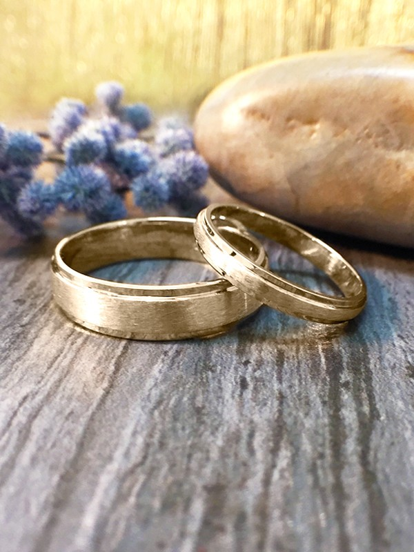 SET: 2.8MM and 5.5MM Satin Finish with Polished Rim Matching Wedding Bands Solid 14K Yellow Gold (14KY) Rings