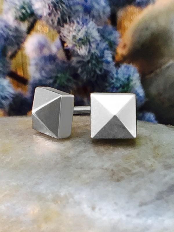 5x5MM Pyramid Stud Solid 14K White Gold (14KW) Geometric Minimalist Earrings