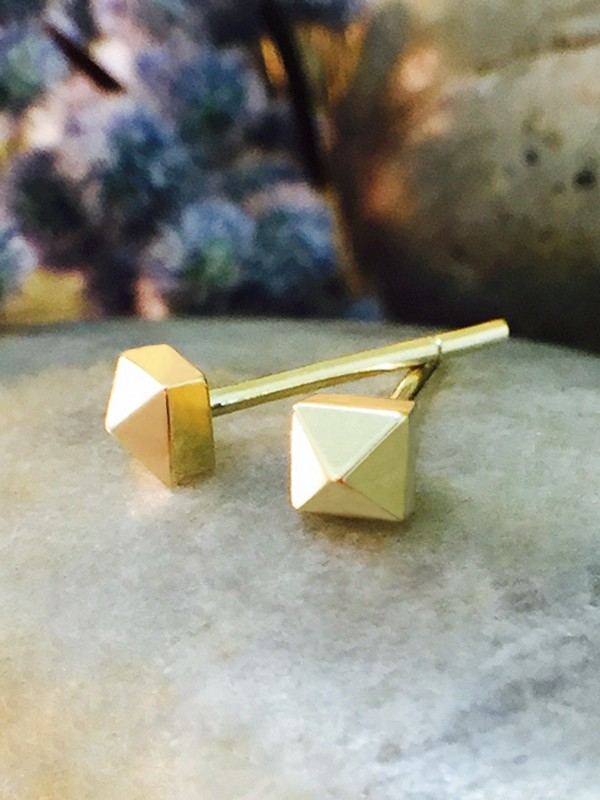 3.5x3.5MM Petite Stud Pyramid Solid 14K Yellow Gold (14KY) Geometric Minimalist Earrings