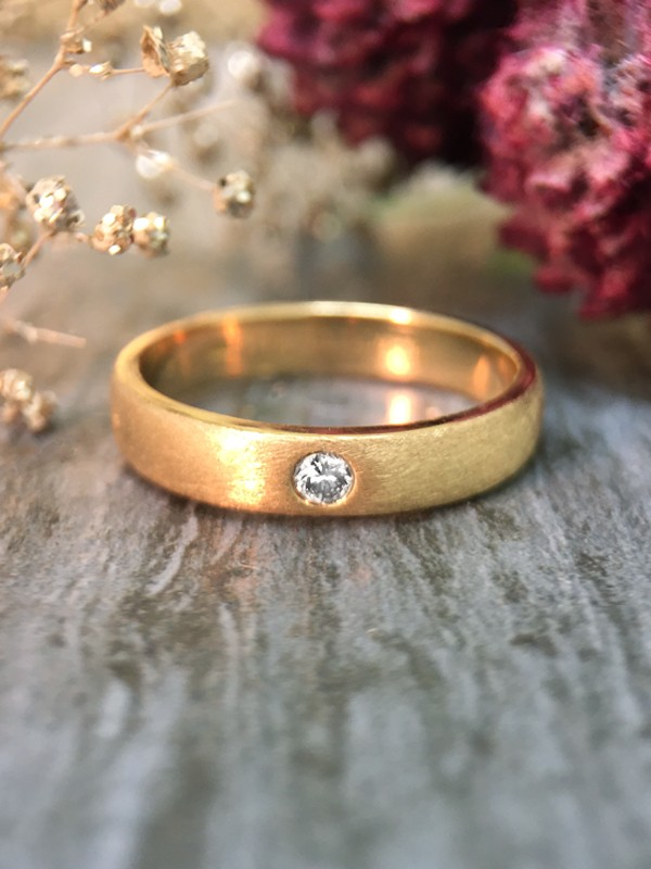 3.8MM Diamond Solitaire Satin Finish Wedding Band <Pave> Solid 14K Yellow Gold (14KY) Unisex Engagement Ring