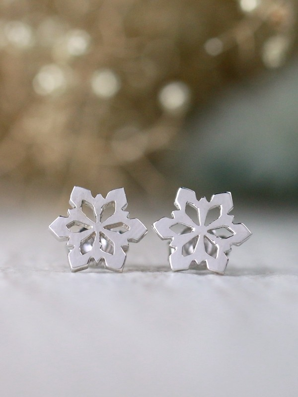 9.5x9.5MM Whimsical Snowflake Solid 14K Gold Minimalist Stud Earrings