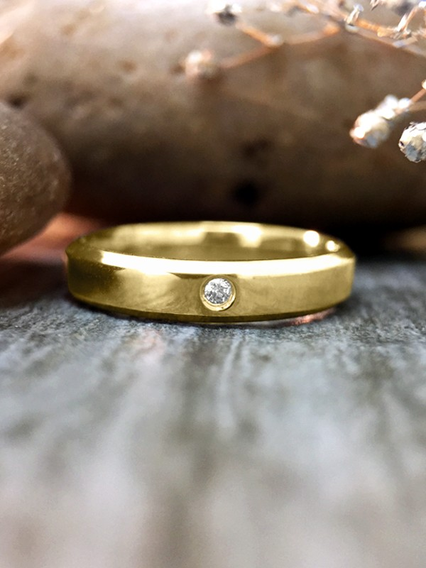 3MM Diamond Bevelled Polished Wedding Band <Pave> Solid 14K Yellow Gold (14KY) Modern Women's Engagement Ring