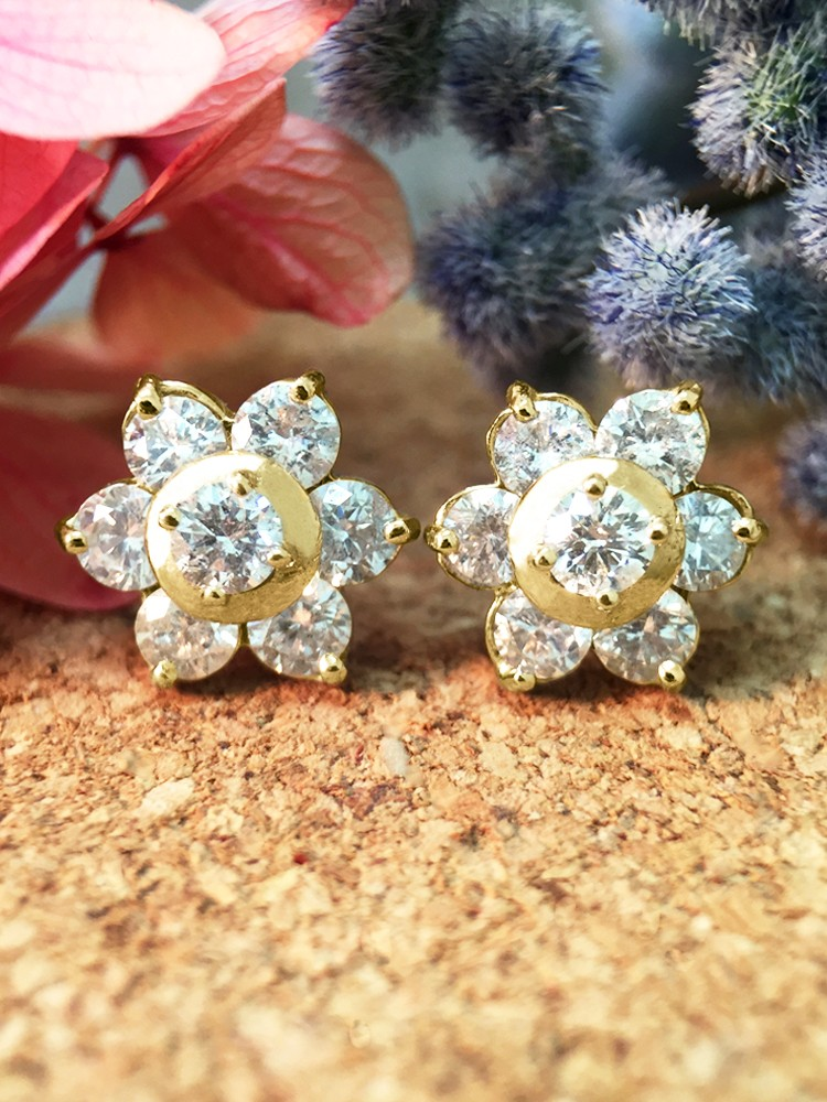 9.5x9.5MM Diamond Cluster Halo Stud <Prong> Solid 14K Yellow Gold (14KY) Floral Earrings