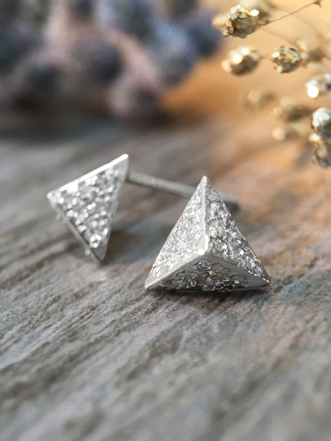 7x8MM Diamond Cluster Pyramid Stud <Pave> Solid 14K White Gold (14KW) Geometric Earrings