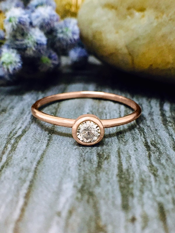 0.15CT Diamond Solitaire <Bezel on Top> Solid 14K Rose Gold (14KR) Stackable Ring