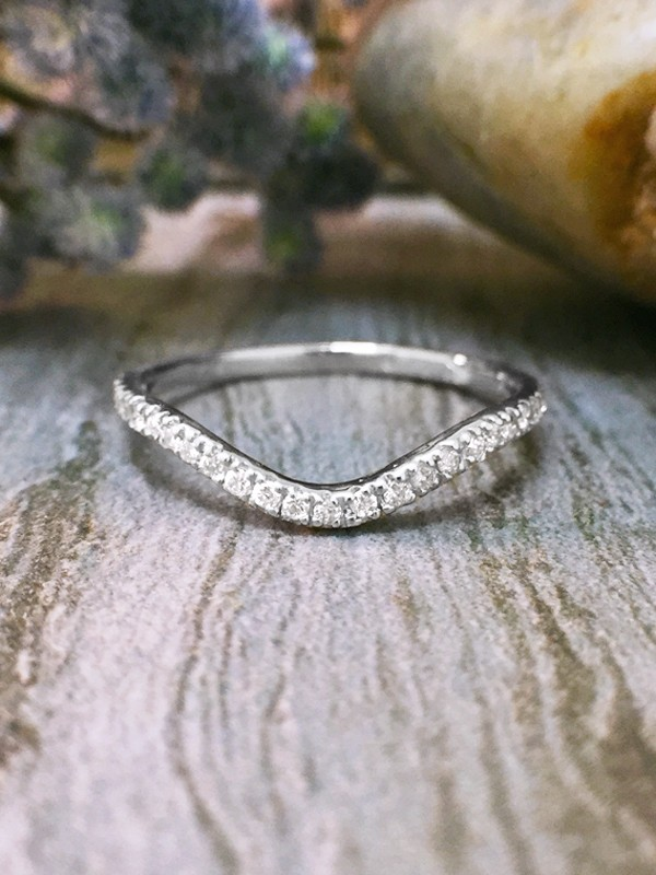 1.6MM Diamond Very Wavy Wedding Band <4 Prong> Solid 14K White Gold (14KW) Stackable Women's Engagement Ring
