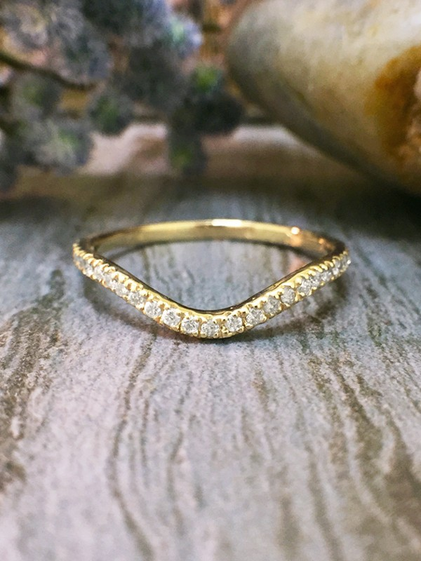 1.6MM Diamond Very Wavy Wedding Band <4 Prong> Solid 14K Yellow Gold (14KY) Stackable Women's Engagement Ring