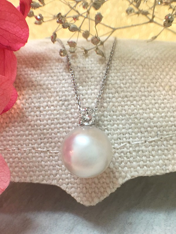 8MM Pearl and Diamond Pendant <Prong> Solid 14K White Gold (14KW) with Bonus Solid 14KW Chain Necklace