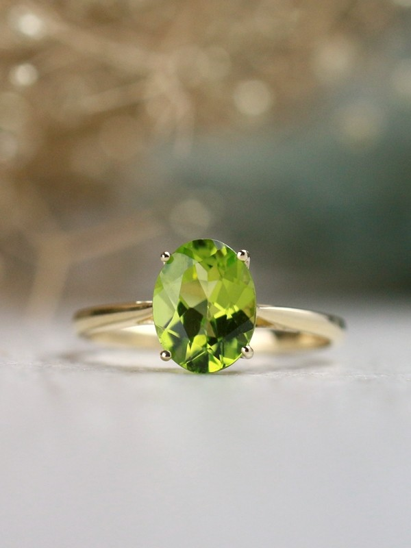 9x7MM Natural Oval Peridot Solid 14 Karat Gold Solitaire Ring