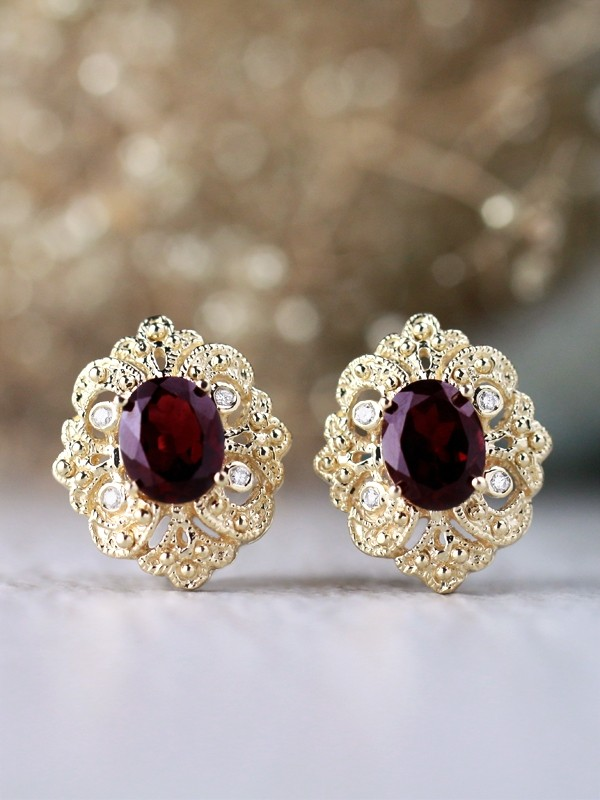 9x7MM Oval Rhodolite Garnet Filigree Patterned Solid 14 Karat Gold Earrings