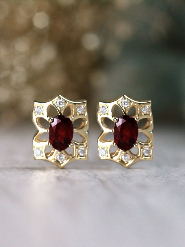 6x4MM Oval Garnet Solid 14 Karat Gold Floral Earrings